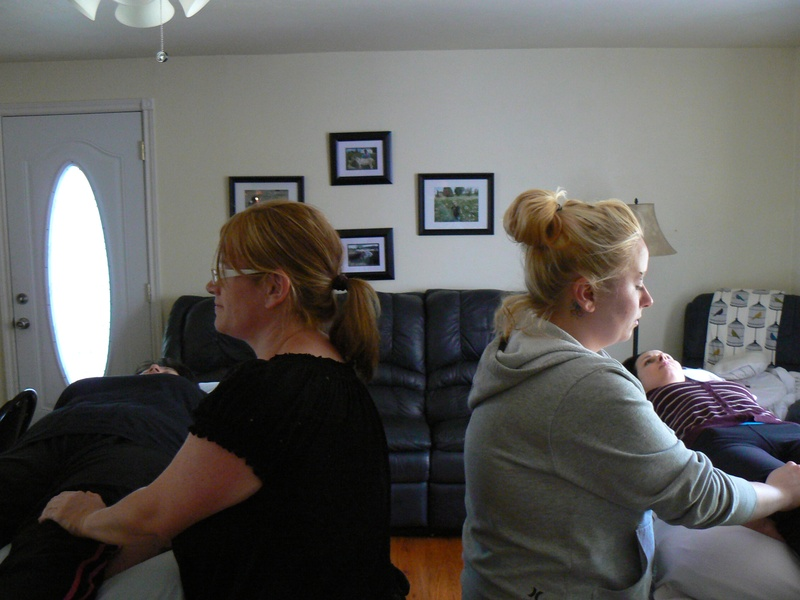 Exchanging First Degree Level 1 Reiki sessions